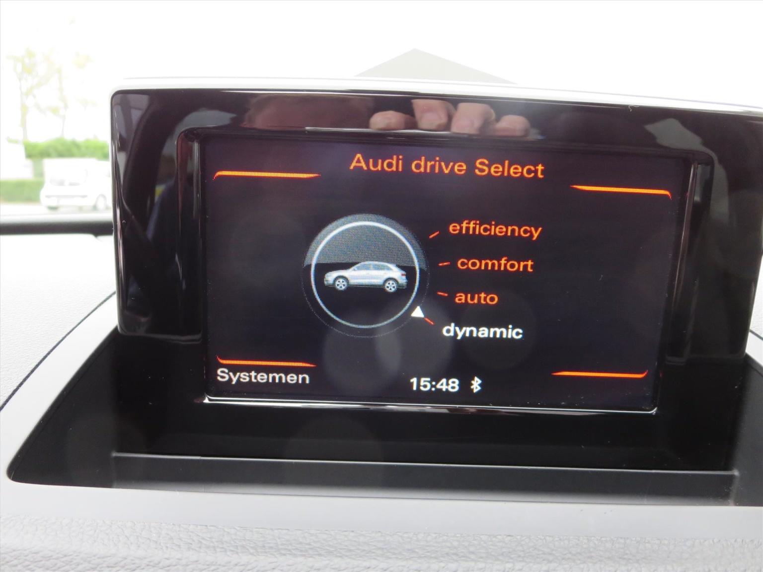 Audi-Q3-5