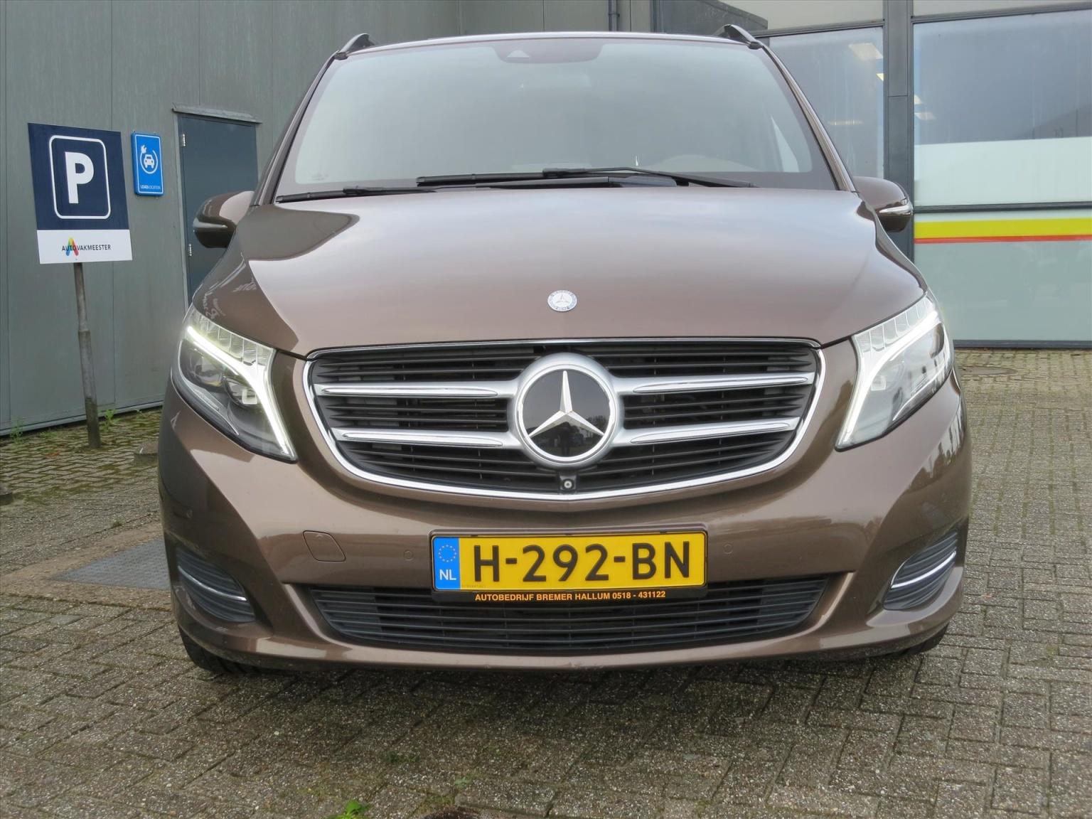Mercedes-Benz-Camper-31
