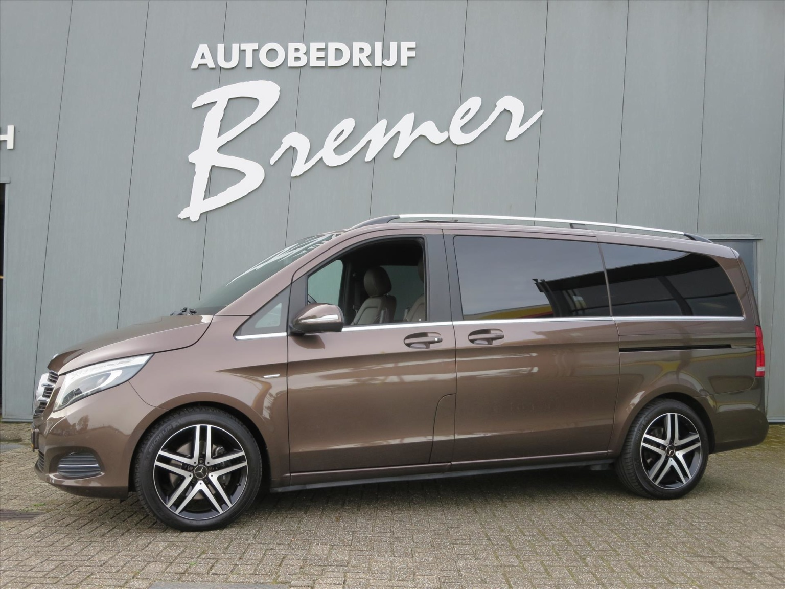 Mercedes-Benz-Camper-0